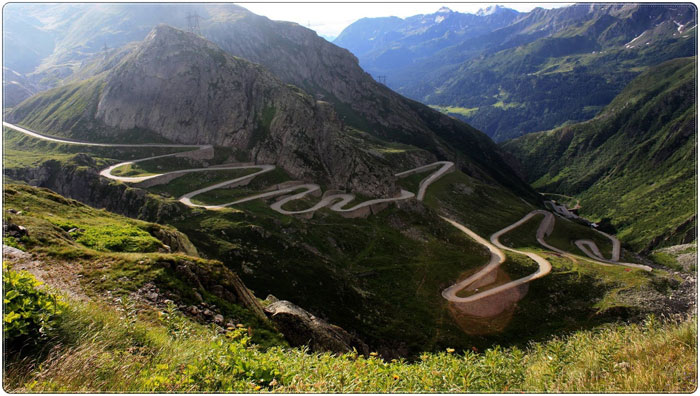 El sinuoso recorrido de la carretera de Transfăgărășan