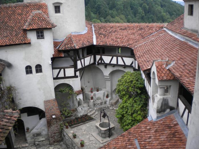Patio interior del castillo de Bran (Transilvania)