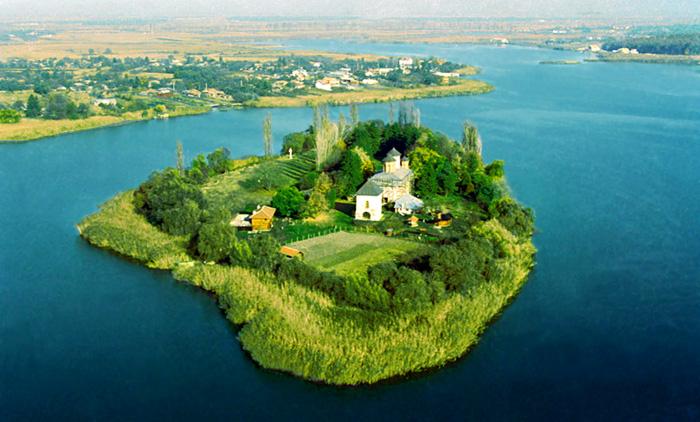 Vista aérea del monasterio de Snagov
