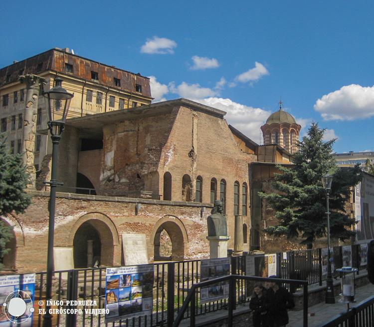 Ruinas del palacio Curtea Veche en Bucarest